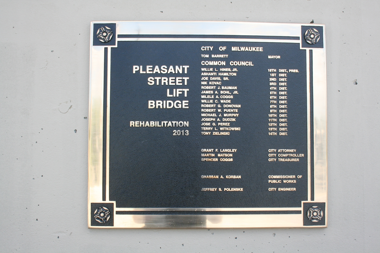 Pleasant Street Lift Bridge Plaque
