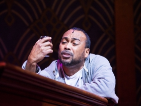 Gavin Lawrence (Nomax) in rehearsal for Skylight Music Theatre's production of Five Guys Named Moe January 25 – February 10.