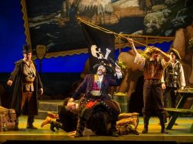 Cast of Pirates of Penzance