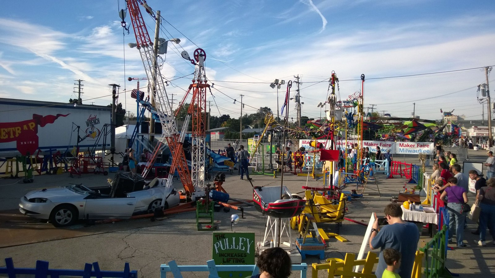 Photo gallery milwaukee s first ever maker faire urban for Craft fairs milwaukee wi