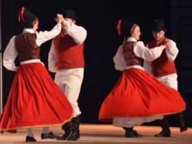 Pomeranian dance group