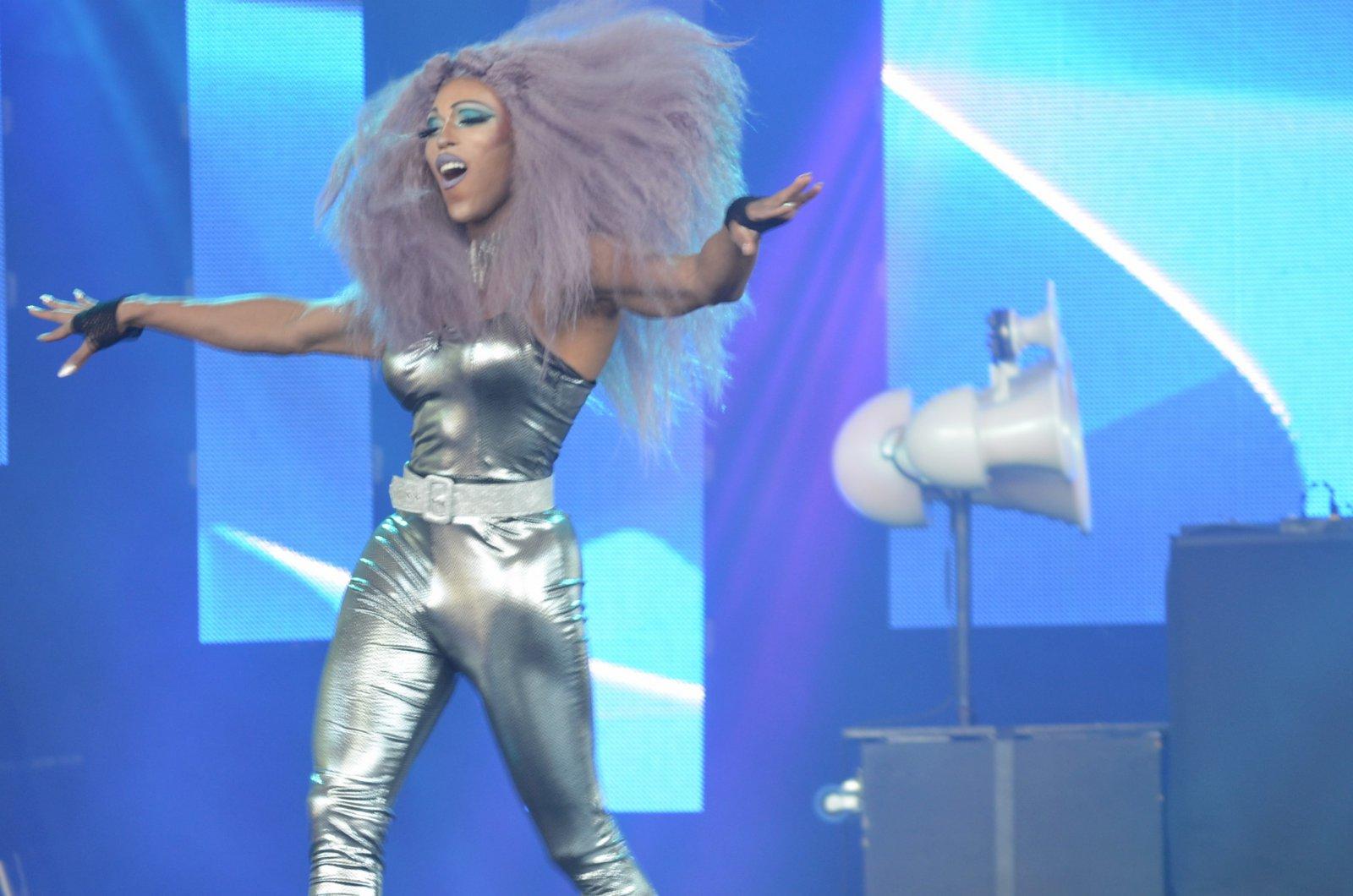 Lady Gia\'s drag show
