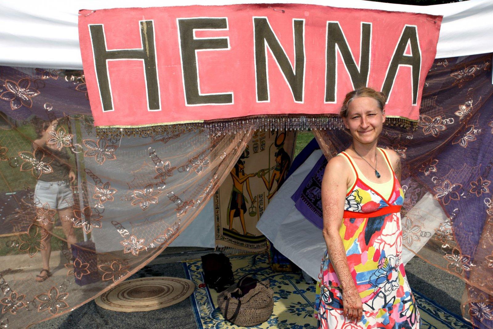 Hena Artist, Renee Bebeau, Milwaukee