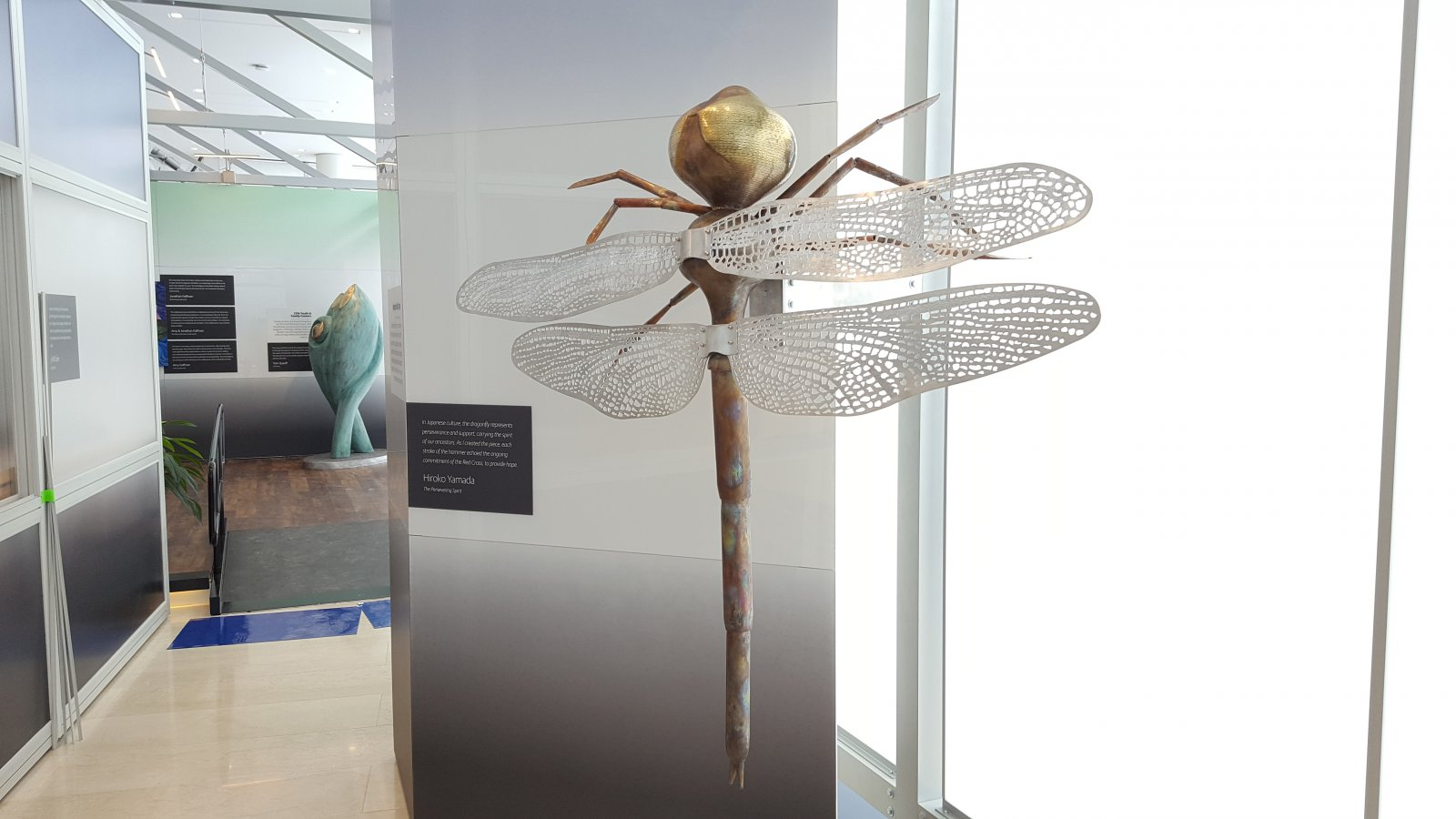 Dragonfly sculpture by Hiroko Yamada