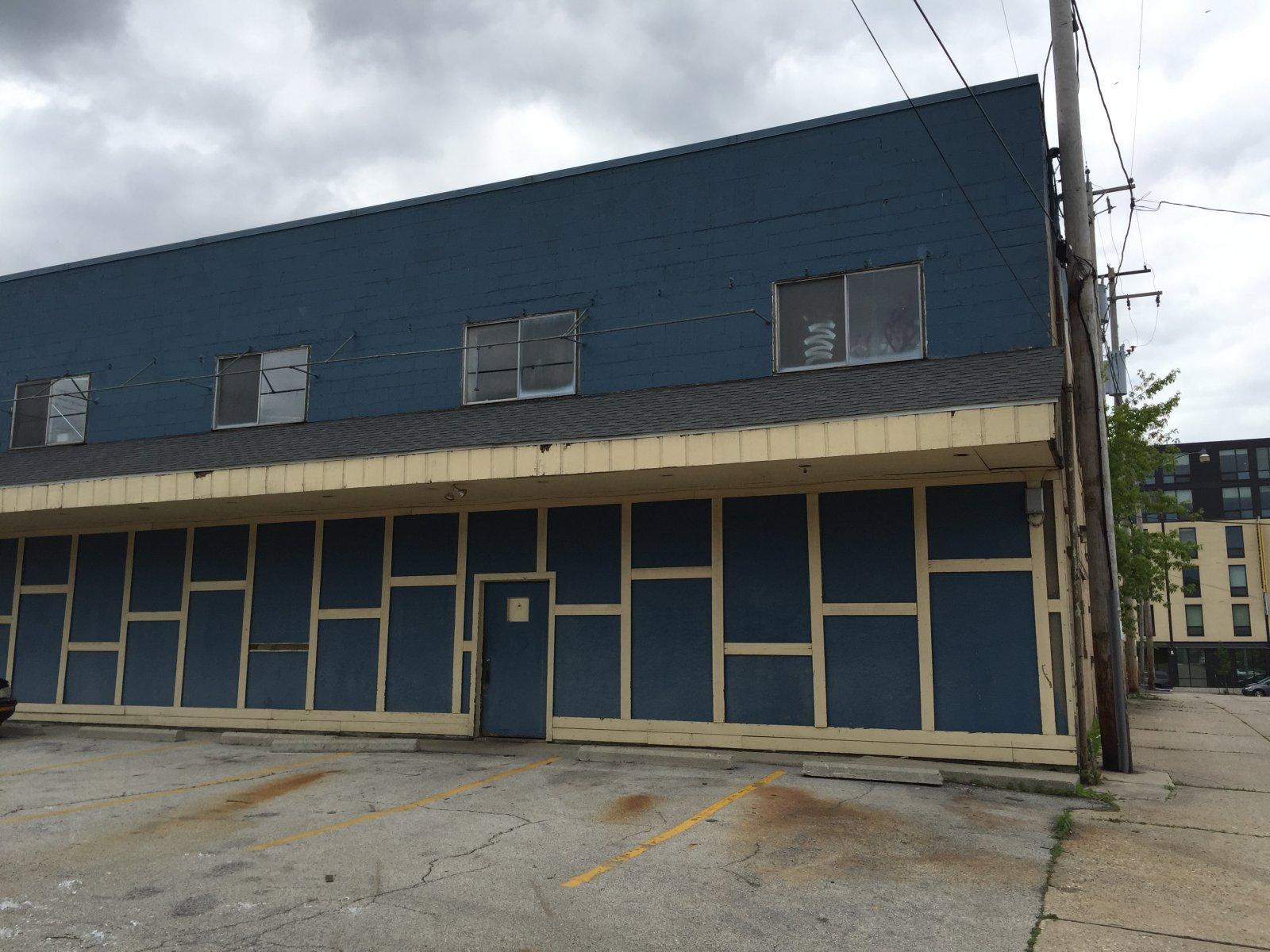 1530 E. North Ave.