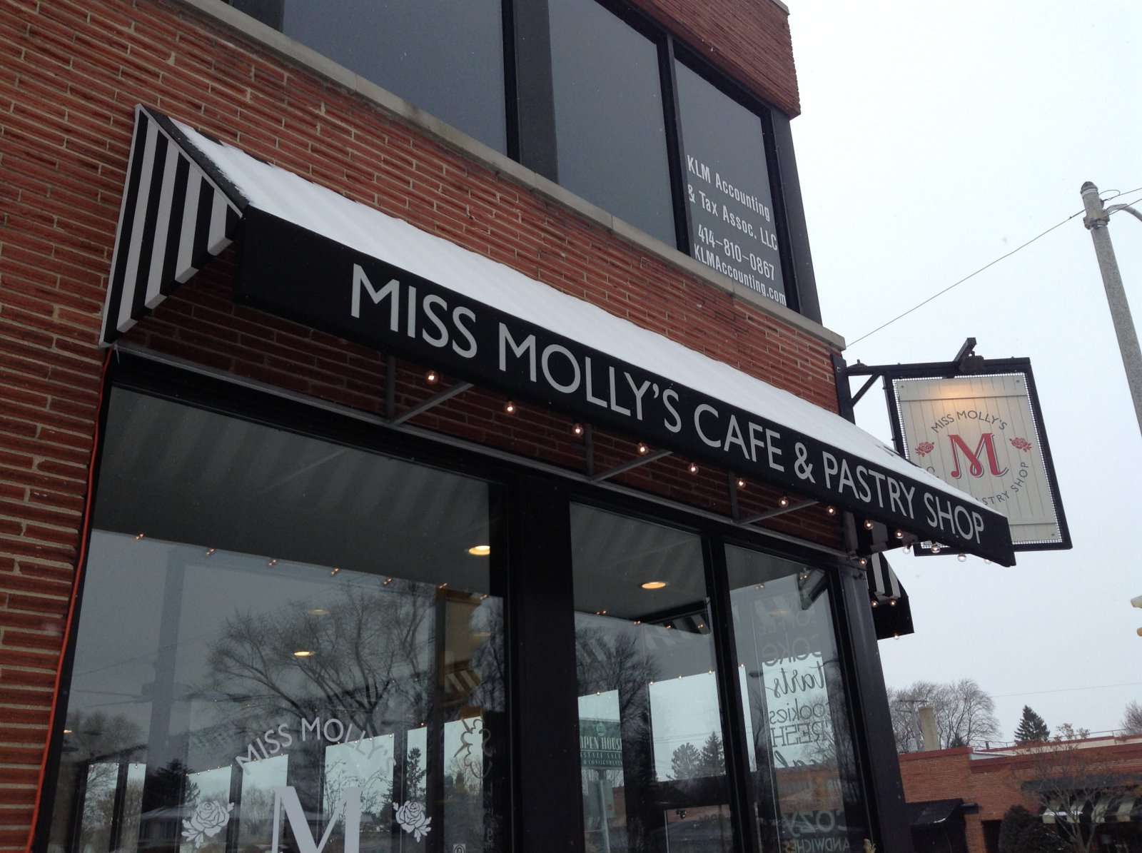 Miss Molly's Cafe & Pastry Shop
