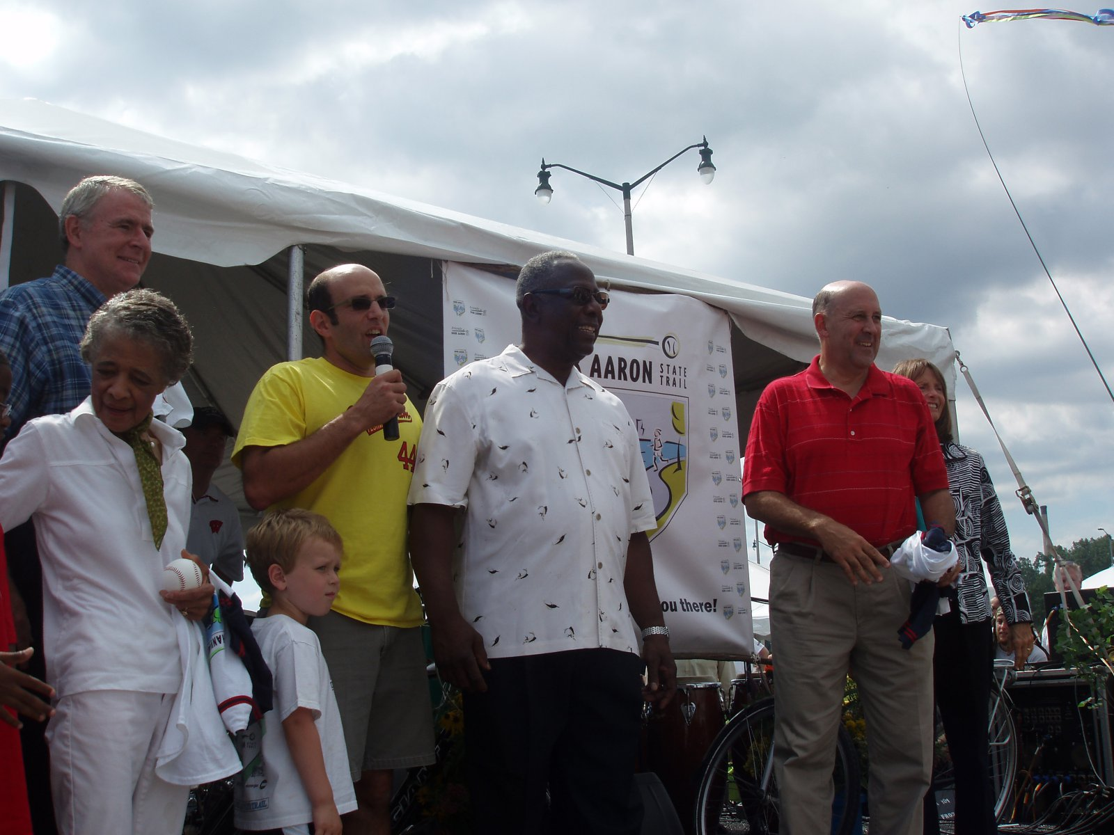 (left to right) Mayor Barrett, Vel Phillips, Bruce Keyes, Hank Aaron, Governor Doyle