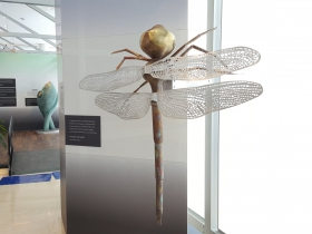 Dragonfly sculpture by Hiroko Yamada