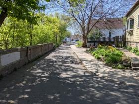 Narrow lane from E. Clarke Street to N. Gordon Place