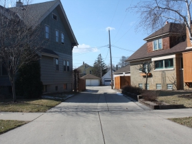 Alley to the center of Elliott Circle