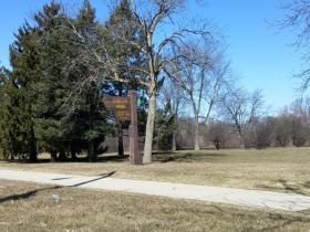 Dineen Park has a disc golf course