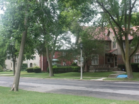 Homes on Wahl Avenue
