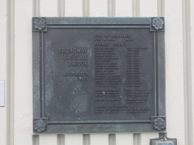 Marker for the Broadway Bridge over the Milwaukee River