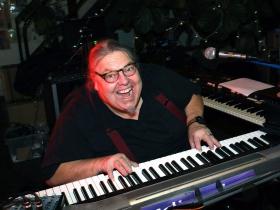 Indigo Keyboardist and artist, Dan Stauff.