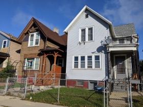 West Pierce Street residences