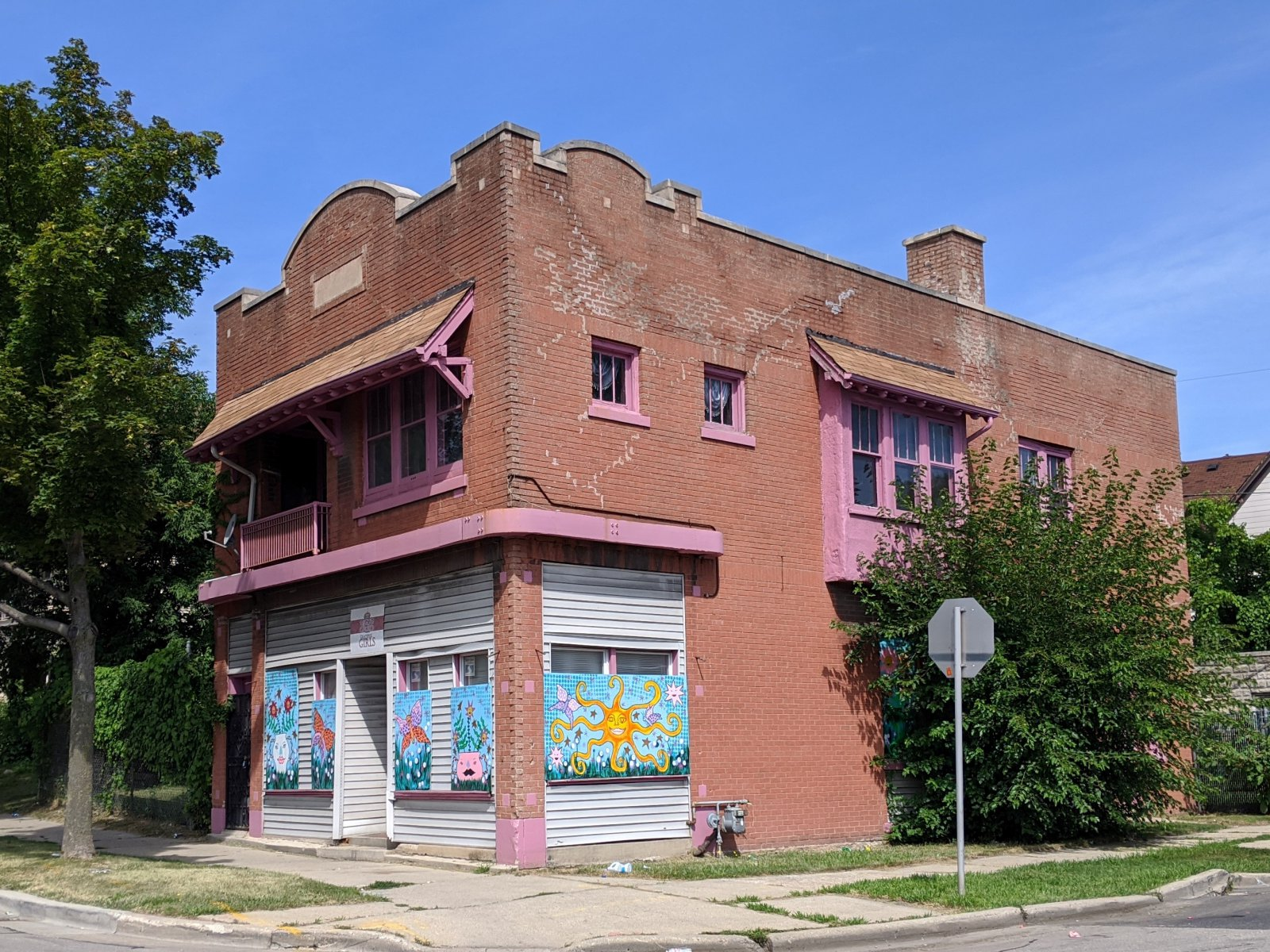 W. Lisbon Avenue building