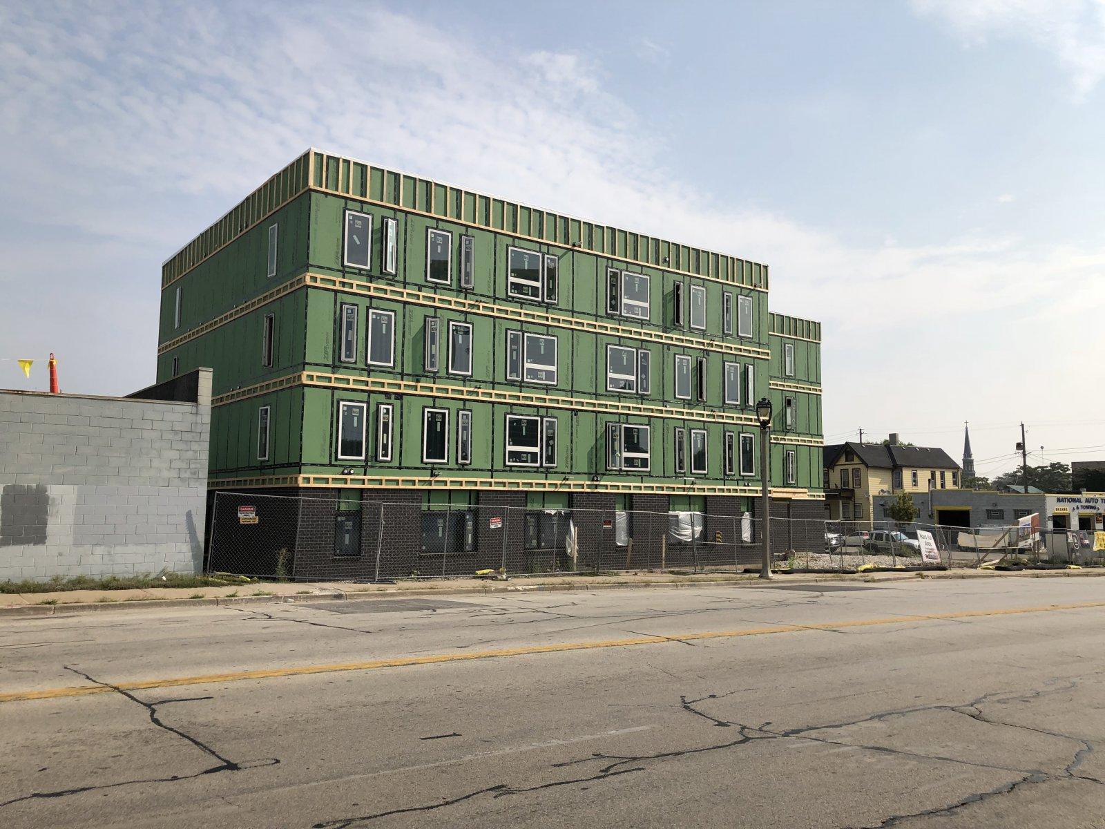 SEVEN04 Place Construction