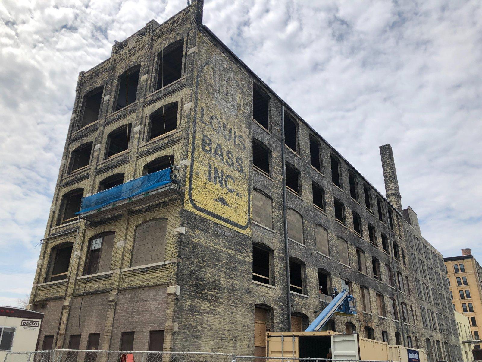 Louis Bass Apartments Construction