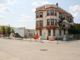 603 (right) and 607 S. 5th St. Demolition