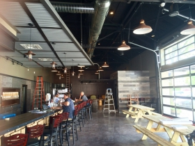 The bar at MobCraft Beer