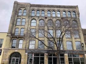 Serif Apartments