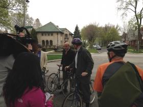 Ald. Kovac and Mayor Barrett get ready to ride.
