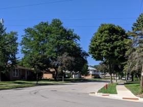 Wedgewood Drive has typical sidewalks