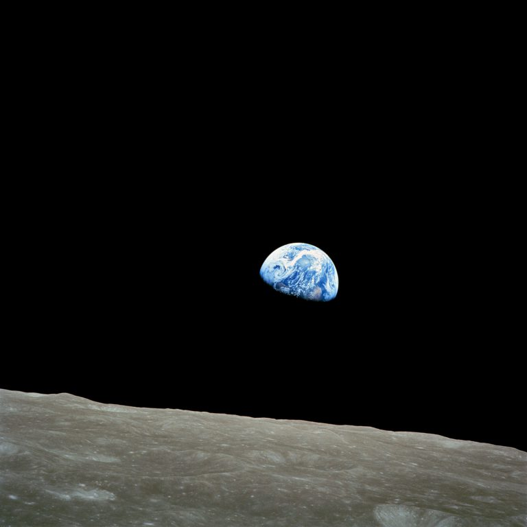 Earthrise. Photo by Bill Anders. (Public Domain).