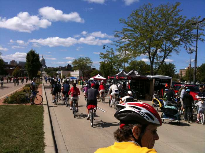 Ciclovia Comes to Milwaukee