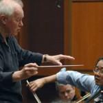 Edo de Waart and Yo-Yo Ma work on a passage from Schumann's Cello Concerto