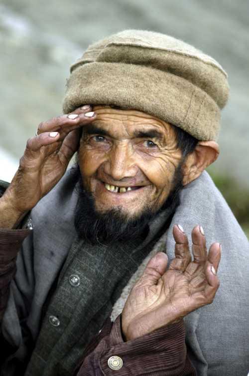 An earthquake survivor in Pakistan