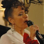 Robin Pluer puts her own twist on Edith Piaf
