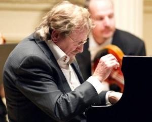 Adam Makowicz performing in Carnegie Hall (Dec 2010)