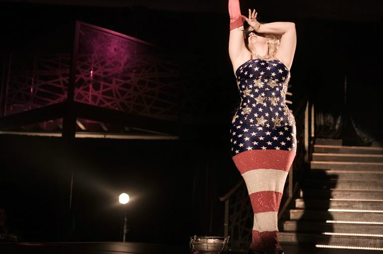 On Tour is the grittily realistic story of a group of American new burlesque ...