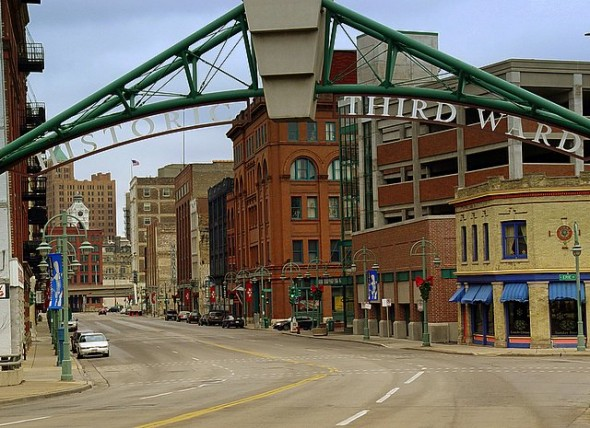 Spring gallery night and day to be held april 15 and 16 for Craft fairs milwaukee wi