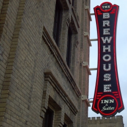 Friday Photos: Inside the Brewhouse Inn