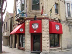 Taverns: Upper 90's Gastro Sports Pub Style