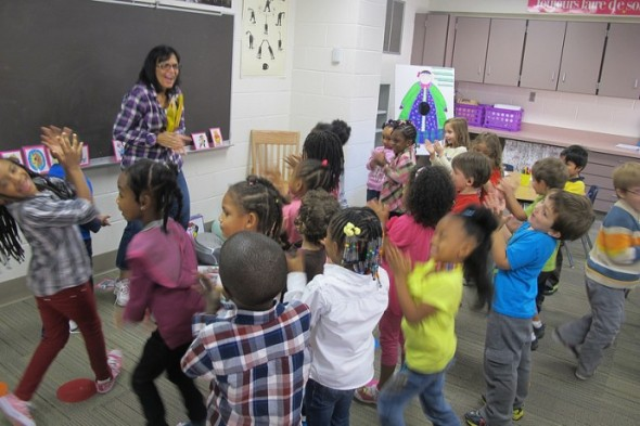 Madame McKenna teaches French to K4 and K5 students at Woodlands East, a UWM-authorized charter school. (Photo by Edgar Mendez)