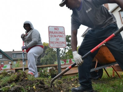 Community Groups Build Rain Gardens