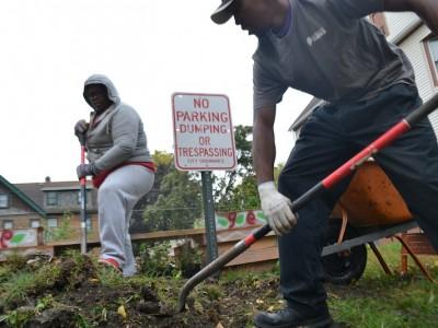 Community Groups Build Rain Gardens