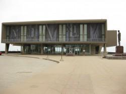 Milwaukee County War Memorial Center. Photo by Richie Diesterheft.