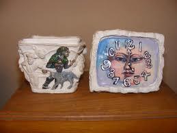 Similar ceramic cask.