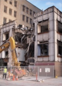734 N. 4th St. being demolished. Photo by Steve Filmanowicz.