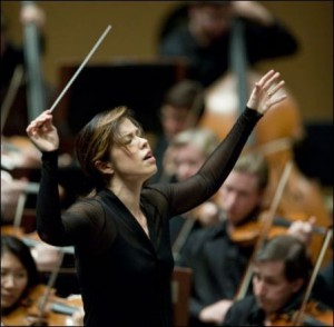 "International acclaimed conductor Sarah Hicks will join the Milwaukee Symphony Orchestra to deliver a film with orchestra experience with ""The Wizard of Oz."""