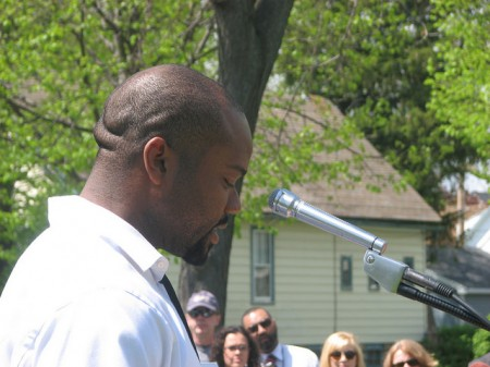 15th District Alderman Russell Stamper addresses residents and city officials at a ceremony announcing a new pocket park in Lindsay Heights. (Photo by Brendan O'Brien)