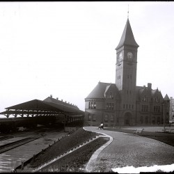 Chicago_and_North_Western_Milwaukee_lakefront_depot