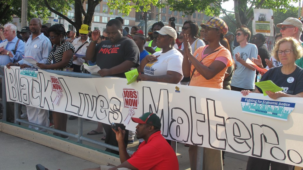 Milwaukee demonstrators protest excessive force by police. (Photo by Andrea Waxman)