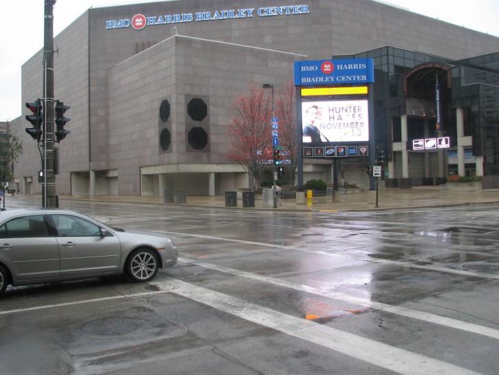 Build Bucks Arena in Inner City?