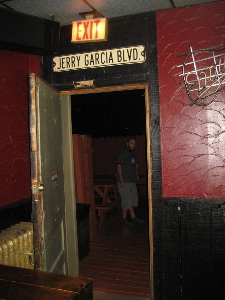 Jerry Garcia Blvd. Photo by Michael Horne.