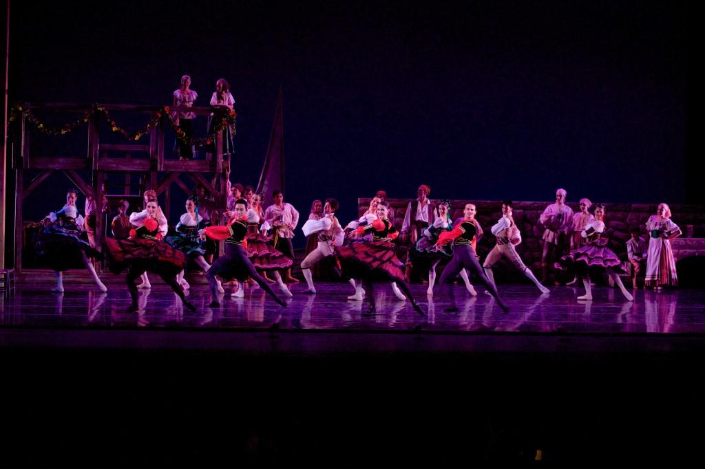 Milwaukee Ballet Company. Photo by Jenn Mazza.